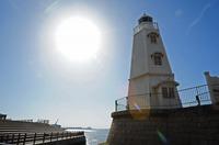 白い灯台.jpg